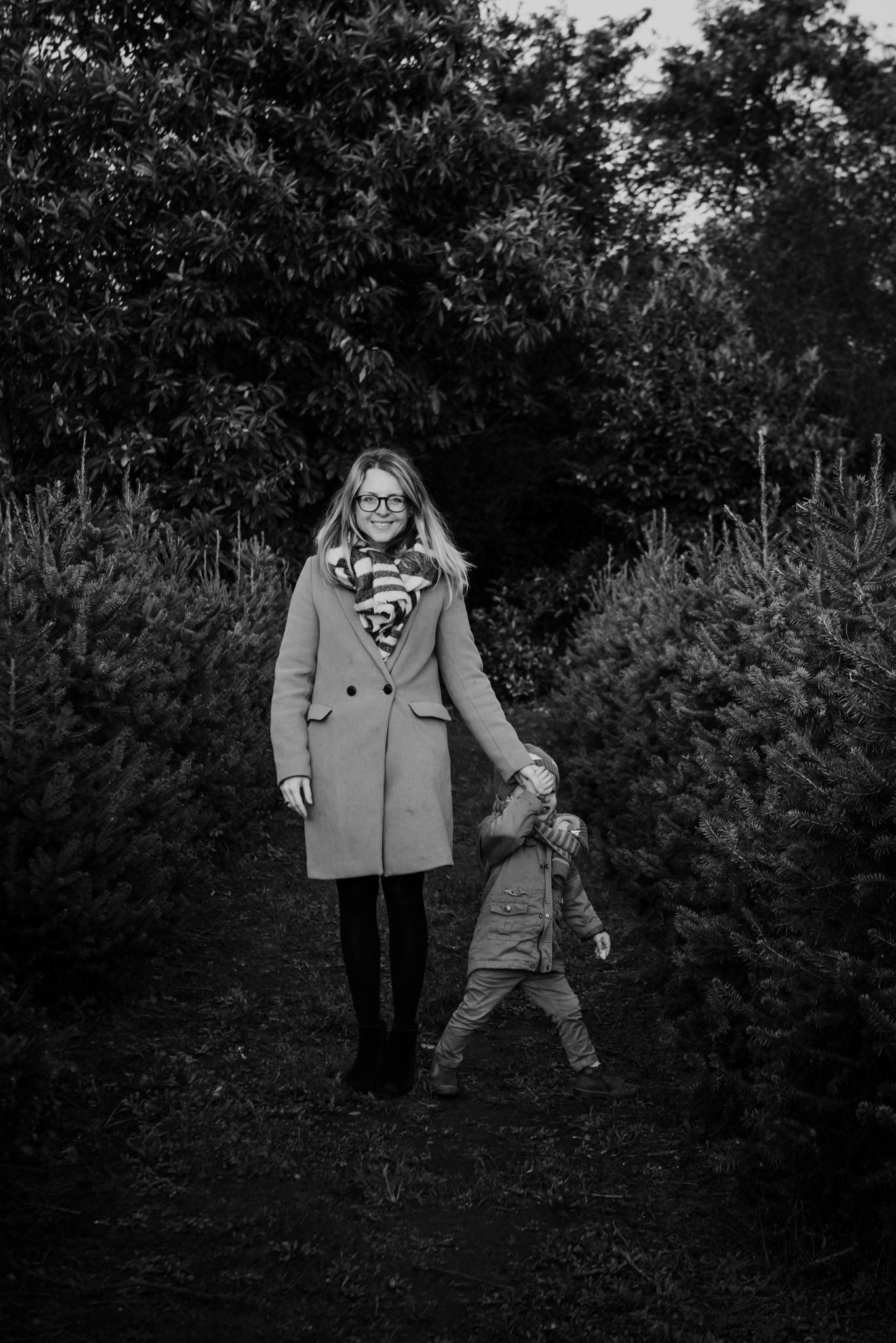 kerstsessies tussen de bomen