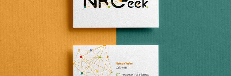 NRGeek logo-ontwerp met een hoekje af
